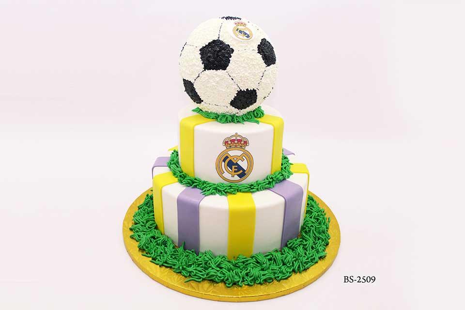 Phenomenal Football Birthday Cakes Bs 2509 Bee Sweet Uae Best Cakes Birthday Cards Printable Giouspongecafe Filternl